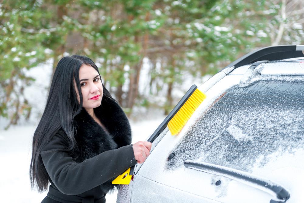 Clearing the car windscreen