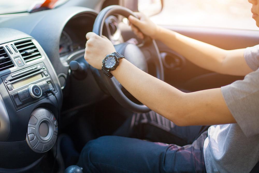 Steering wheel held properly